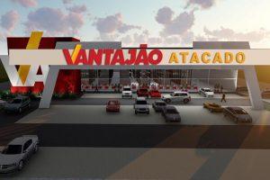 Na imagem está uma arte mostrando como foi projetada aloja do Vantajão Atacado de Caxias do Sul. Pode-se ver a fachada da loja, com o letreiro. Diversos carros estacionados.